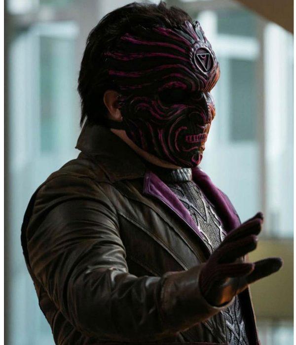 bashir-malik-the-flash-season-07-psych-coat
