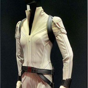 scarlett-johansson-leather-jacket