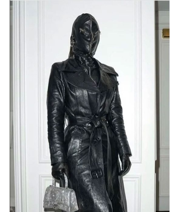 kim-kardashian-met-gala-coat
